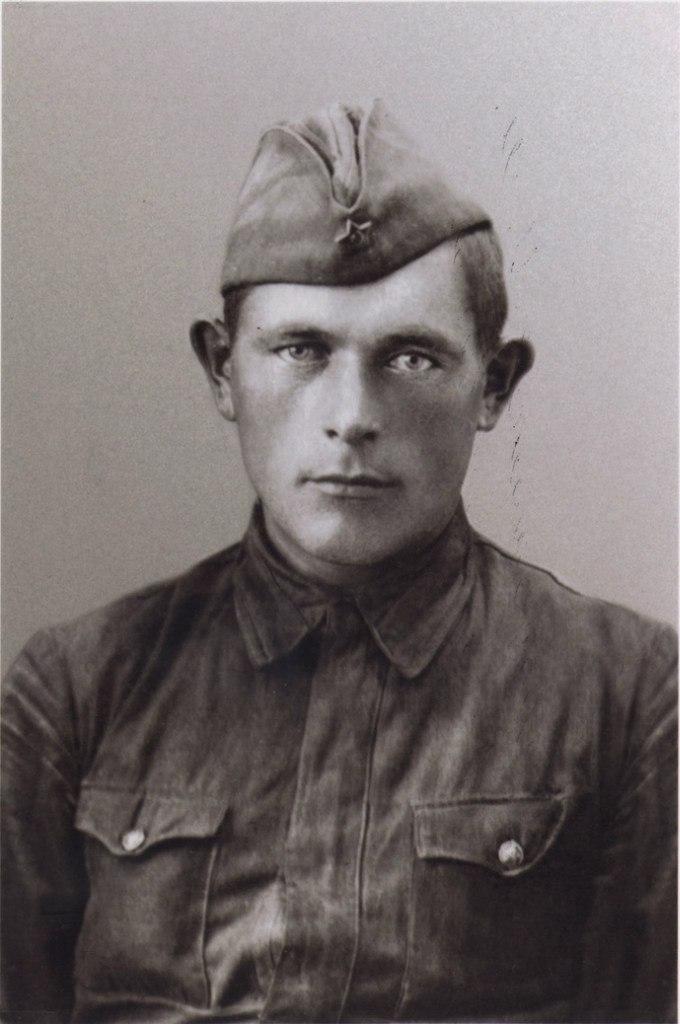 Масленников Иван Михайлович, (1913-1942) ,Красноармеец.