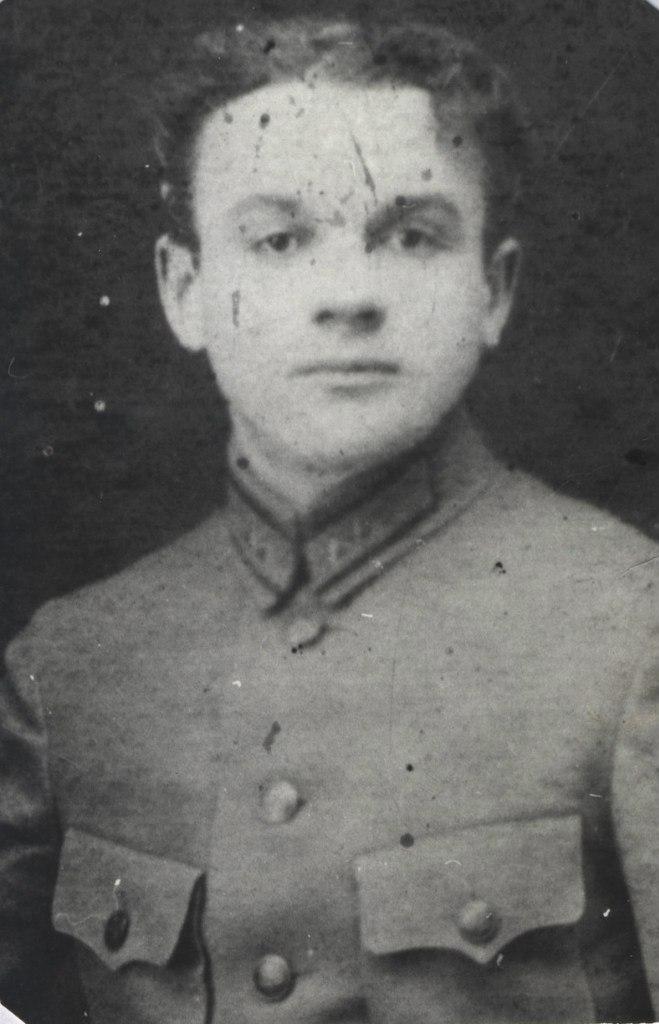 Ларин Иван Макарович (1903-1942)